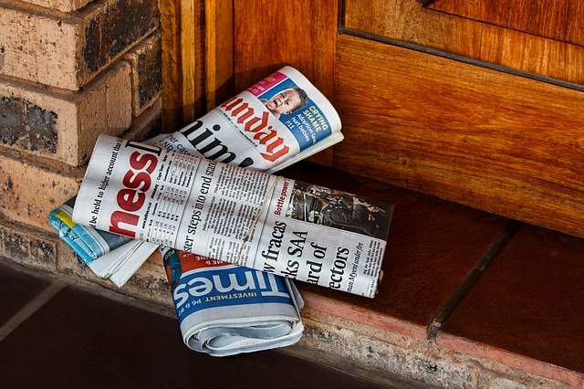 daily-paper-464015_640